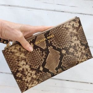 Michael Kors Snakeskin leather Wristlet Clutch